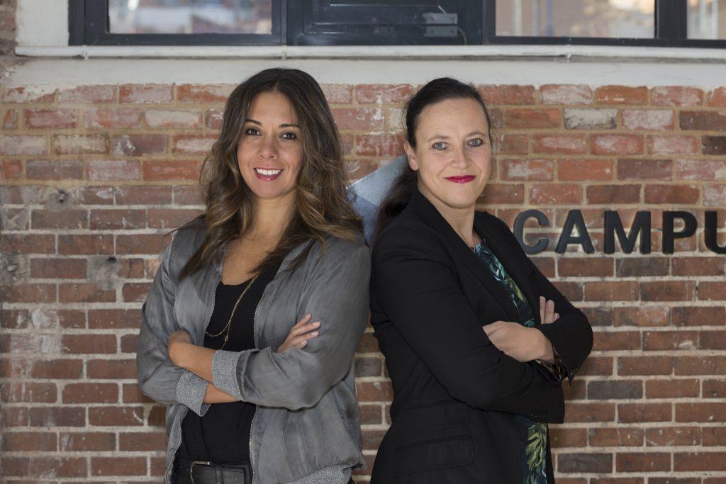 Clelia Morales y Laurence Fontinoy, fundadoras de WOOM